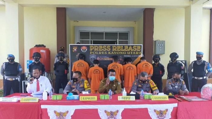 Polres Kayong Utara Gelar Press Release Operasi Pekat, Berikut Barang Bukti dan Para Tersangkanya
