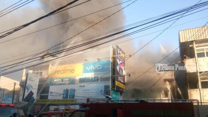FOTO: Kebakaran Ruko di Jalan Hijas Kota Pontianak, Satu diantaranya Ada Toko Komputer dan Handphone - kebakaran-jalan-hijas5.jpg