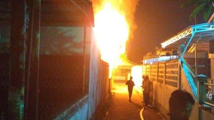 Amri Terkejut dan Panik Lihat Api Sudah Membesar