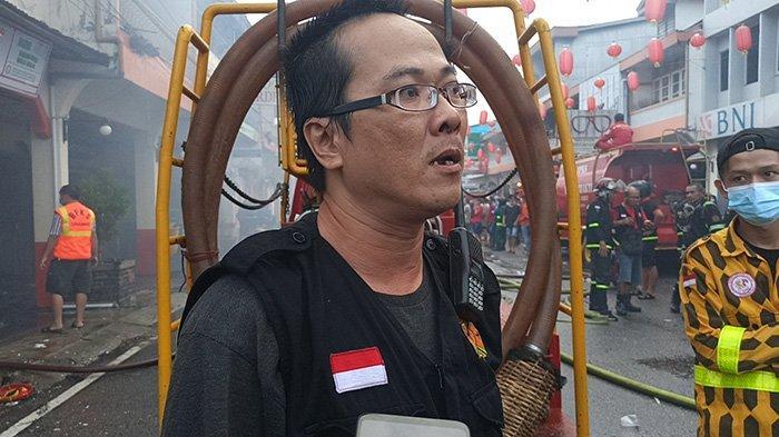 Kisah Acun Berjibaku Evakuasi Korban saat Api Berkobar dalam Kebakaran di Kota Singkawang