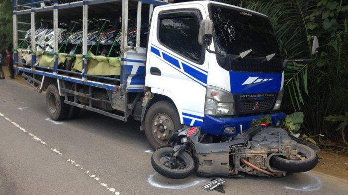 BREAKING NEWS - Kecelakaan di Jalan Raya Sekadau-Sintang, Pengendara Sepeda Motor Tewas