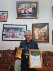 Kedua Kalinya Uskup Agung Pontianak Mgr Agustinus Agus Dapatkan Anugrah Award untuk Leadership