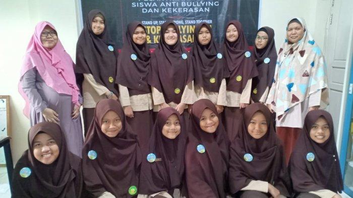 SMPIT Al-Mumtaz Helat Pelatihan dan Pelantikan Duta Anti Bullying dan Kekerasan