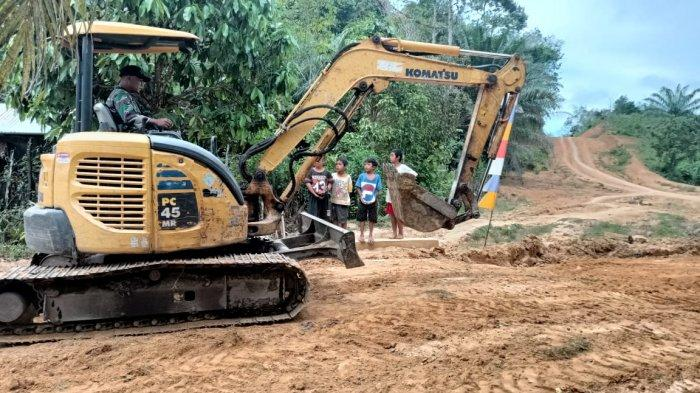 Warga Desa Tolok Berharap Punya Jalan Bagus Melalui Program TMMD