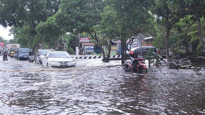 Antisipasi Genangan Banjir, Pemkot Pontianak Lakukan Normalisasi Parit