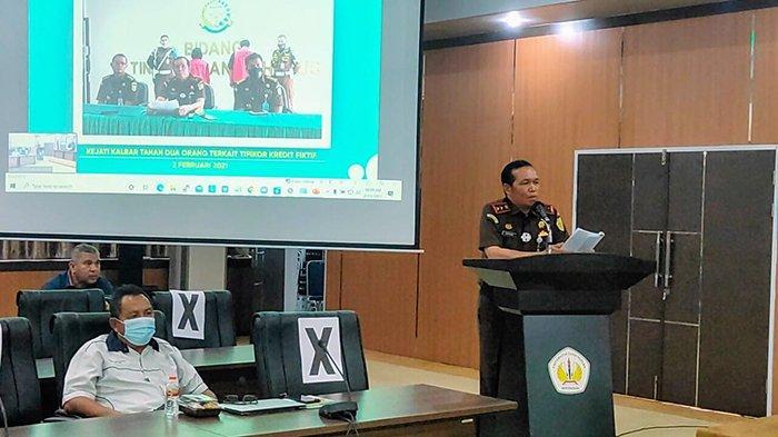 Kepala Kejati Kalbar DR Masyhudi di helat menjadi dosen tamu pada kuliah umum yang di selenggarakan pada Selasa 23 Februari 2021 pagi di Universitas Tanjungpura Pontianak