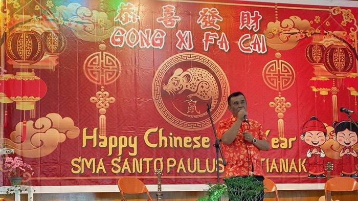 Momen Seru Perayaan Imlek Bersama yang Digelar SMA Santo Paulus Pontianak - kepala-sekolah-sma-santo-paulus-pontianak-br-charles-sunardi-qwsda.jpg