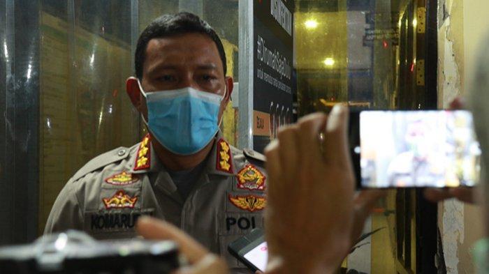 FOTO: Kapolresta Beri Keterangan Terkait Penutupan Jalan Gajah Mada Pontianak - keterangankomarudinjalanrata.jpg