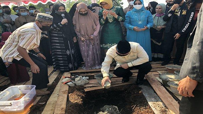 Peletakkan Batu Pertama Masjid Al Hijrah, Ketua DMI Dukung Pengembangan Kawasan Masjid Ramah Wanita