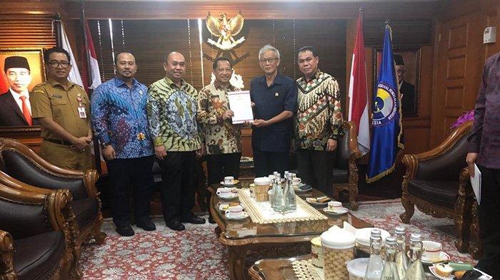DPRD Kalbar Jemput SK Pimpinan Defenitif di Kemendagri, Menteri Tito Sampaikan Pesan Penting