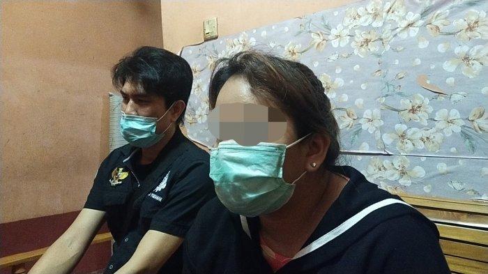 Ketua SBMI Pontianak Martin Lip No (Kiri) dan Bela (Kanan) Korban TPPO, Pengantin Pesanan Cina,