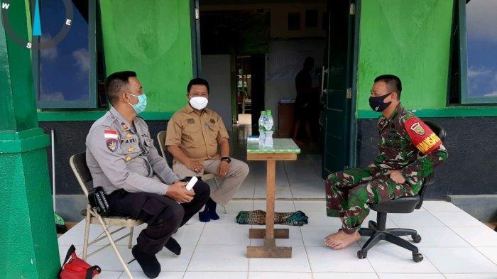 Kapolsek Fahri Gunawan dan Forkopincam Ketungau Hulu Silaturahmi ke Pos Kout 144 Jaya Yudha
