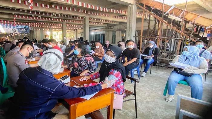 BPW KKSS Kalbar Peduli, Ratusan Masyarakat Ikuti Kegiatan Vaksinasi Massal