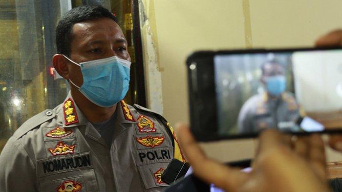 FOTO: Kapolresta Beri Keterangan Terkait Penutupan Jalan Gajah Mada Pontianak - komarudin-ptkjalan-gm-tutup.jpg