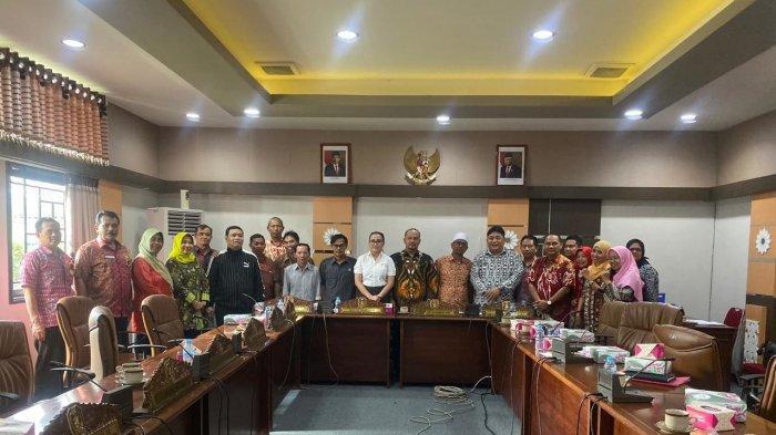 Berikan Pendidikan Politik, Komisi I DPRD Kalbar Dorong Peningkatan Anggaran Kesbangpol