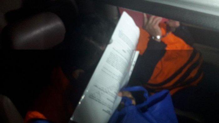 BUNGKAM, Bupati Bengkayang Suryadman Gidot Kenakan Rompi Orange, KPK Pisah Penahanan 7 Tersangka