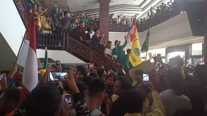 Sempat Viral, Mahasiswa yang Turunkan Foto Jokowi Ditetapkan Tersangka, Begini Kronologis Kasusnya
