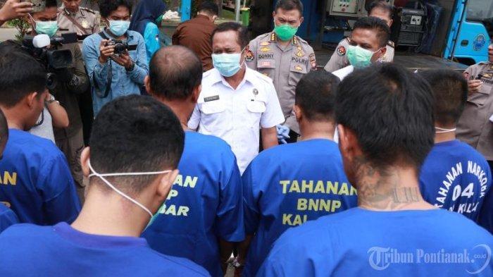 FOTO: Konferensi Pers Penangkapan 4 Kilogram Sabu Jaringan Internasional oleh BNN Provinsi Kalbar - konferensi-pers-penangkapan-4-kg-sabu5.jpg