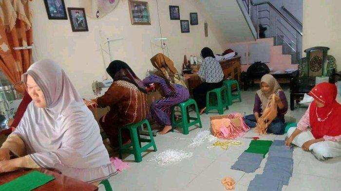 Produksi 21 Ribu Masker,Koperasi Konveksi Perempuan Ternyata Berasal dari Berbagai Desa di Kubu Raya