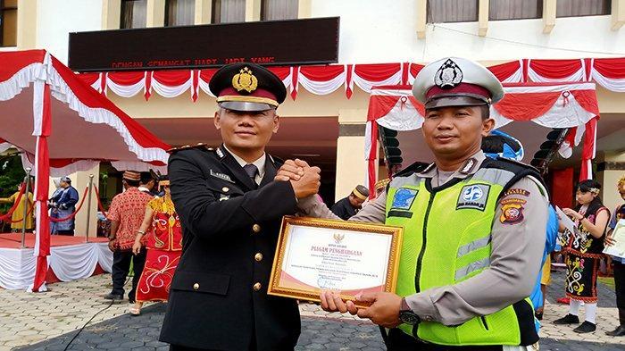 Koperasi Bhayangkara Sabet Piagam Penghargaan Bupati Sekadau Sebagai Koperasi Responsif
