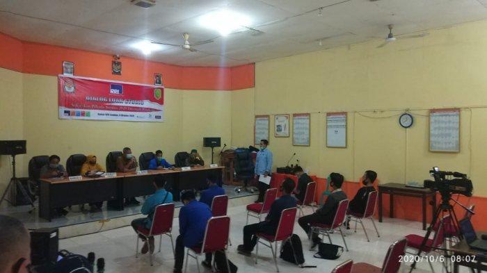 Diskusi Bersama KPU dan Bawaslu, Kamaruzzaman: Sambas Siap Laksanakan Pilkada