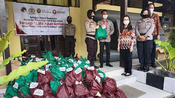 KSP Sahabat Mitra Sejati dan Bank Sampoerna Salurkan 250 Paket Sembako di Pontianak