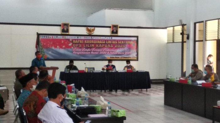 Polres Kubu Raya menggelar Rapat Koordinasi Lintas sektoral dalam rangka Pengamanan Natal Tahun 2020 dan Tahun Baru 2021, di Aula Polres Kubu Raya, Kamis 17 Desember 2020.