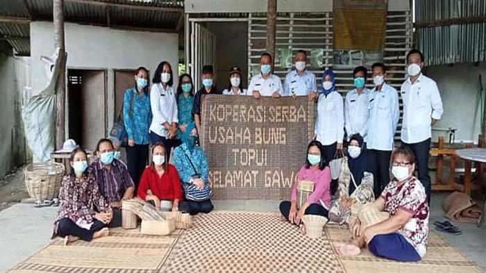 Koperasi Bung Topui Jagoi Babang Bertahan Dimasa Pandemi Covid-19
