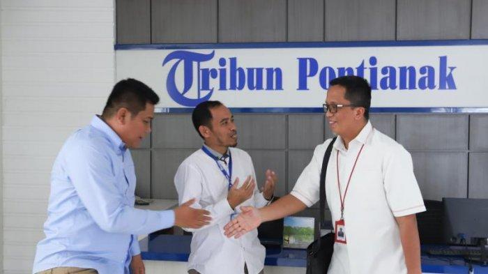 FOTO: GM PLN UIW Kalimantan Barat, Agung Murdufi saat Berkunjung ke Kantor Tribun Pontianak - kunjungan-pln2.jpg