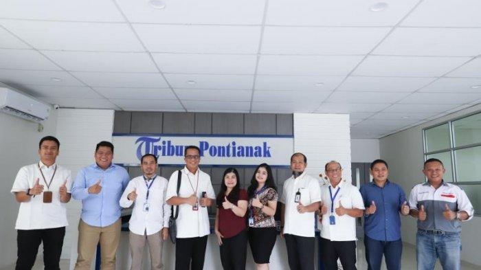 FOTO: GM PLN UIW Kalimantan Barat, Agung Murdufi saat Berkunjung ke Kantor Tribun Pontianak - kunjungan-pln5.jpg