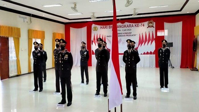 Didampingi Para PJU, Kapolres Melawi AKBP Tris Supriadi Ikuti Upacara Hari Bhayangkara ke-74