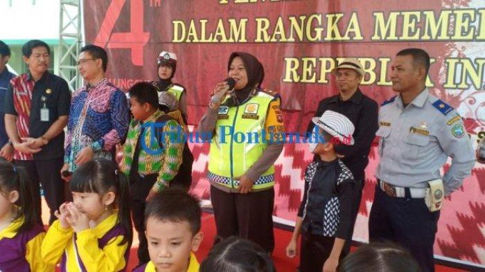 FOTO: Launching Helm Children di HUT Lantas dan Lomba Pentas Seni Budaya Kota Pontianak - launching-helm-children-dalam-rangkaian-hut-lantas-3.jpg