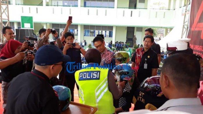 FOTO: Launching Helm Children di HUT Lantas dan Lomba Pentas Seni Budaya Kota Pontianak - launching-helm-children-dalam-rangkaian-hut-lantas-8.jpg