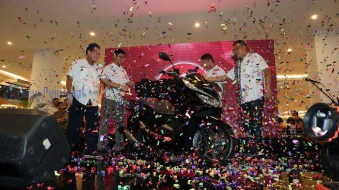Launching All New Honda PCX Produksi Indonesia, di Transmart Kubu Raya, Ini Foto-fotonya! - launching_20180310_231214.jpg