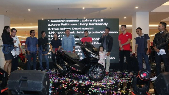 Launching All New Honda PCX Produksi Indonesia, di Transmart Kubu Raya, Ini Foto-fotonya! - launching_20180310_231331.jpg