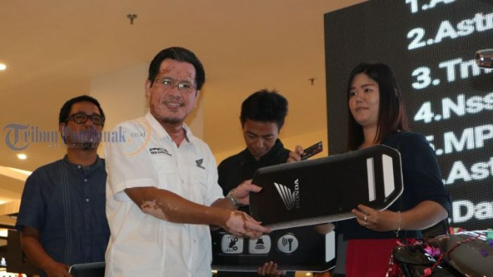 Launching All New Honda PCX Produksi Indonesia, di Transmart Kubu Raya, Ini Foto-fotonya! - launching_20180310_231513.jpg