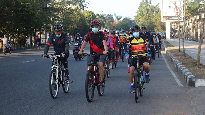 Sekda Kalbar Sambangi Dinas PPPA Saat Jumat Bersepeda, Leysandri Nilai Baik untuk Penyegaran Tubuh