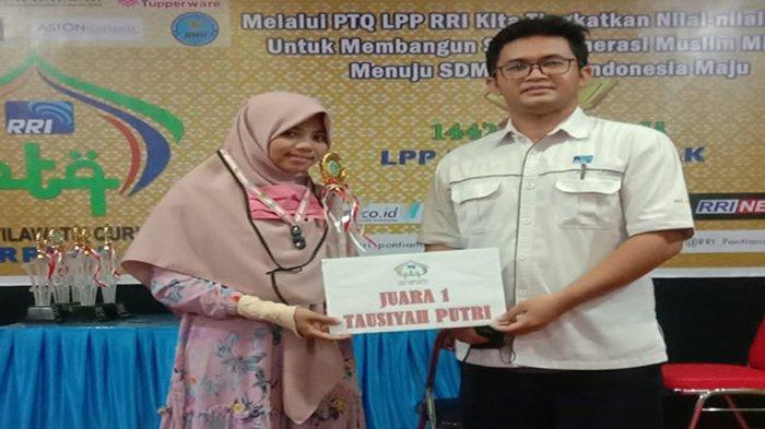 Membanggakan, Liana Mahasiswa KPI FUAD Juarai Lomba Tausiyah RRI Kalimantan Barat