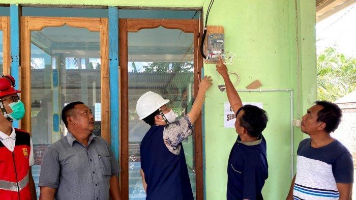 Desa di Sanggau & Melawi Ini pun Akhirnya Bisa Nikmati Listrik dari PLN