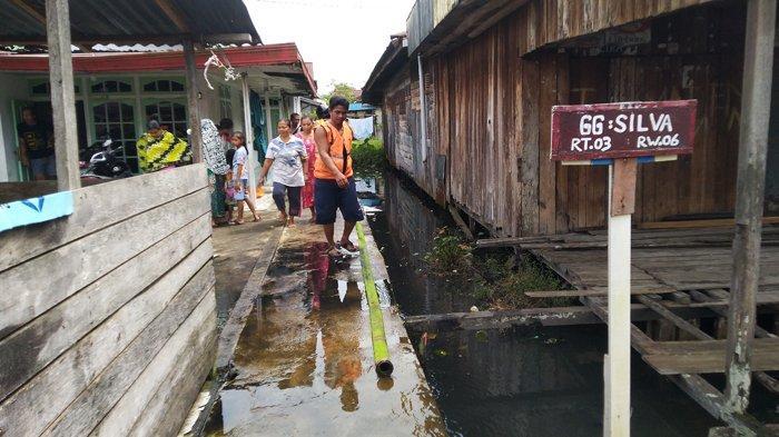 BREAKING NEWS - Rumah Penduduk di Pontianak Timur Nyaris Ludes Terbakar