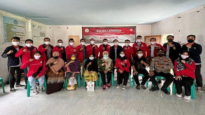 Mahasiswa S2 Hukum UNTAN Kampanyekan Program Vaksinasi Nasional di Desa Rasau Jaya