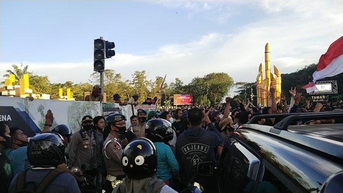 Aksi Tolak UU Omnibus Law di Pontianak Kalbar Diwarnai Ketegangan