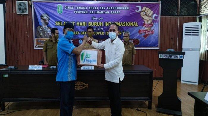 Peringatan May Day, BPJS Ketenagakerjaaan Pontianak Salurkan 350 Paket Sembako bagi Pekerja
