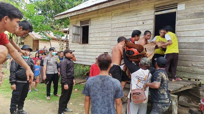 BREAKING NEWS - Istri Syok Temukan Satiman Suaminya Tewas Mengenaskan Dalam Rumah