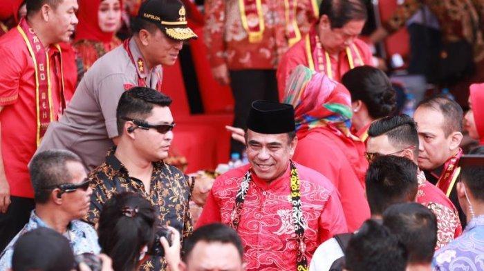 FOTO: Menteri agama RI Fachrul RaziMenyaksikan Parade Tatung pada Puncak Imlek dan Cap Go Meh 2020 - menag-di-cap-go-meh5.jpg