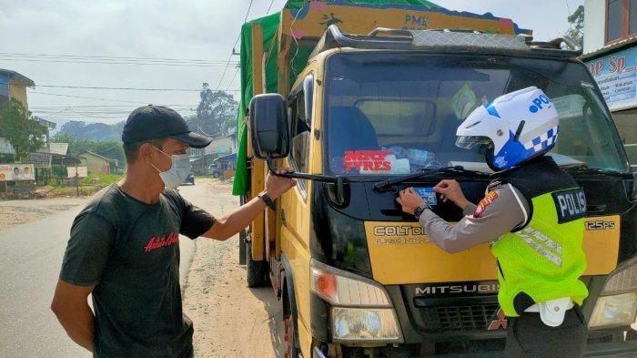 Pantau Arus Lalulintas di Jalan Raya, Berikut Imbauan Personel Satlantas Kepada Masyarakat