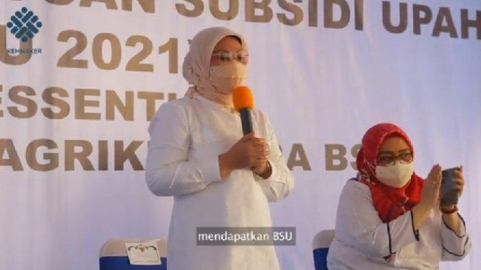 Level PPKM Turun, Menaker Ida Fauziyah Pastikan BSU Tetap Disalurkan Pada Pekerja yang Ditetapkan
