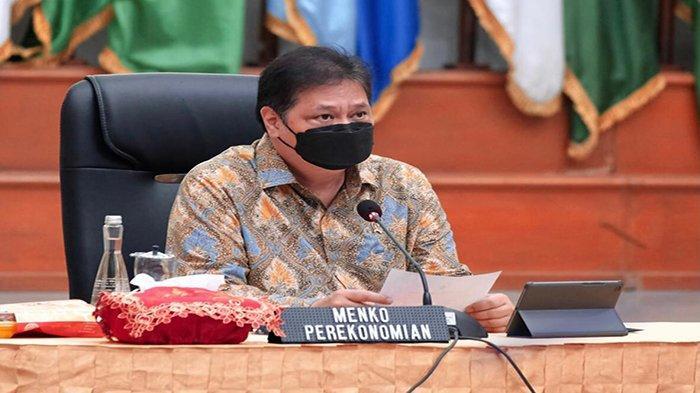 Di Kegiatan Vaksinasi Lansia di Kanisius, Airlangga Ungkap Indonesia Peringkat 4 Suntik Vaksin