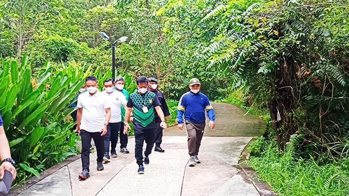Menteri Pertanian Syahrul Yasin Limpo Jajal Jogging Track Taman Digulis Untan Pontianak Kalbar
