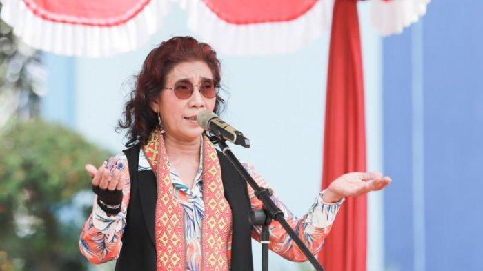 Ribuan Masyarakat Sambut Kedatangan Susi Pudjiastuti saat Pulang Kampung: 'Welcome Back, Bu'